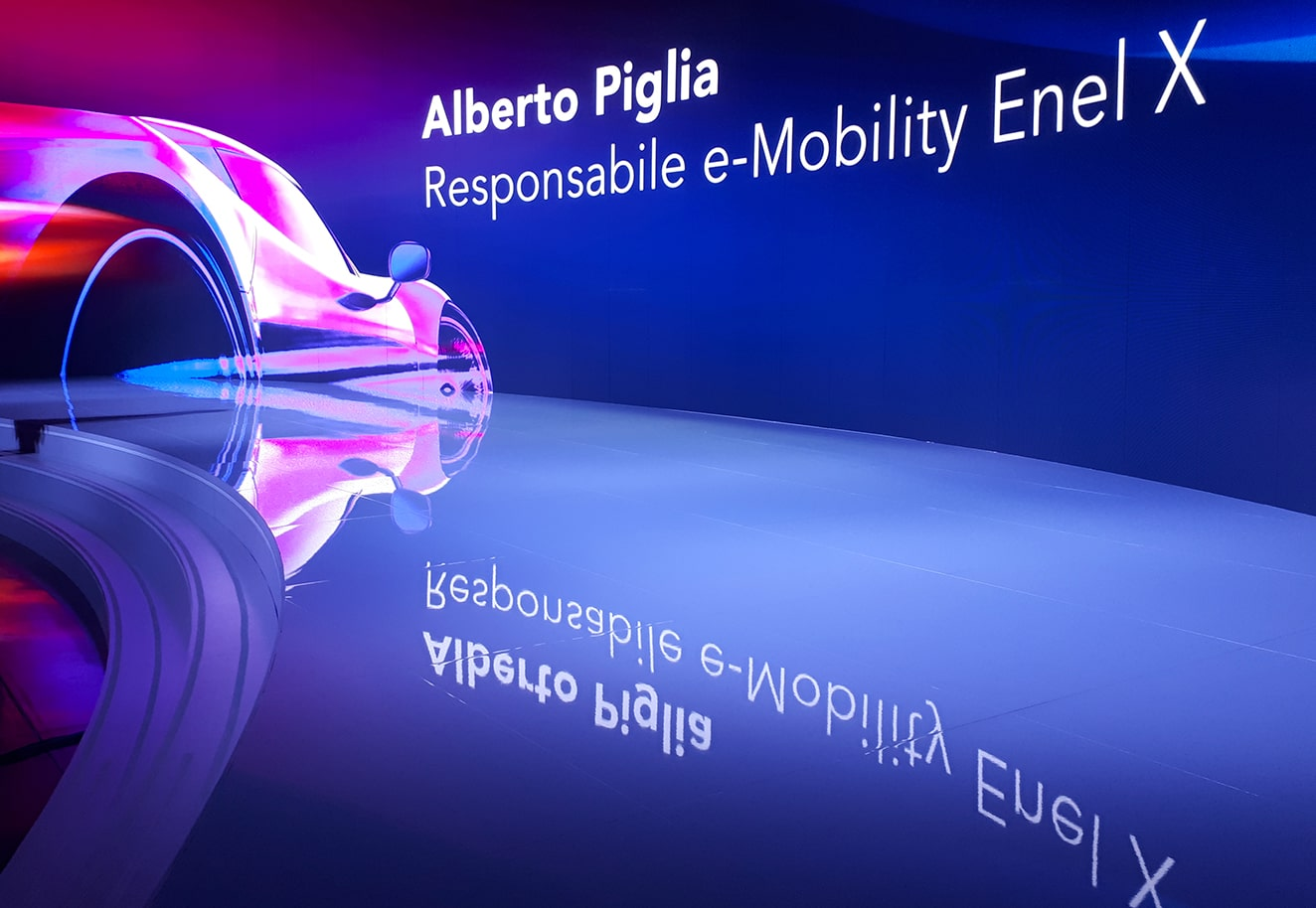 Motion graphics video production and contents for Enel X e-Mobility 2018 - Luther Dsgn agency